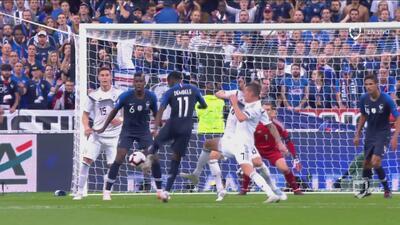 Dembélé estuvo a punto de anotar el tercero de Francia