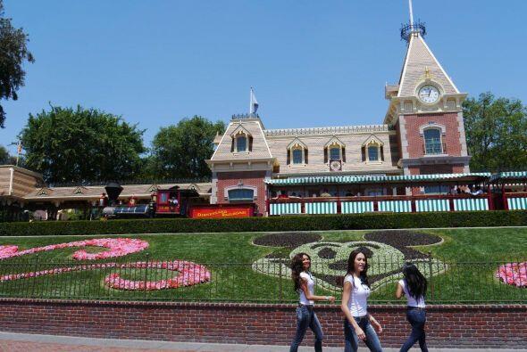 Las participantes llegaron a Disneylandia para sentirse princesas por un...