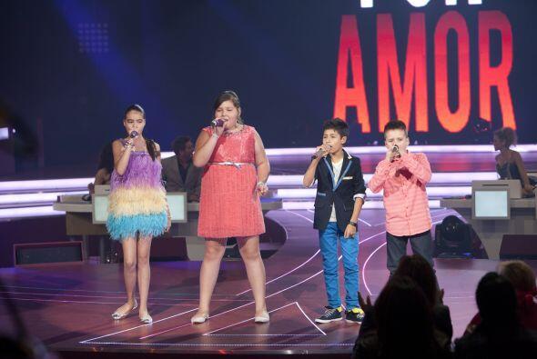 Para finalizar, los cuatro semifinalistas unieron sus grandes voces para...