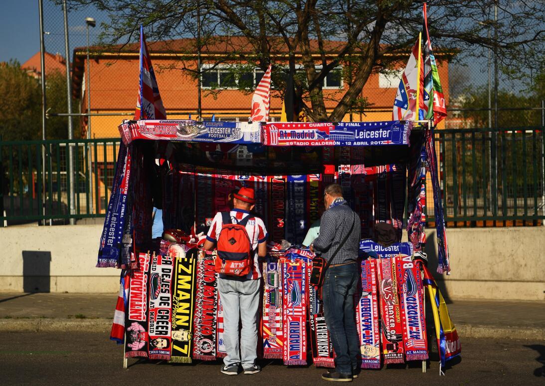 La fiesta del fútbol por fuera de las canchas en el Atlético vs. Leicest...
