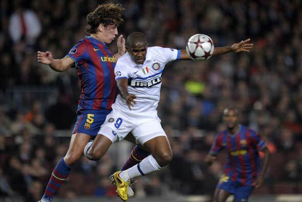 """Eto'o regresó al """"Camp Nou' y fue recibido con aplausos, aunque en el ca..."""