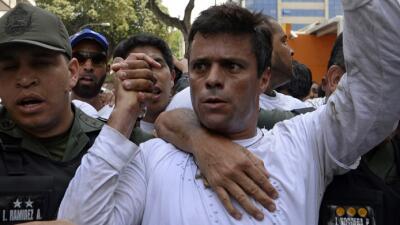 Leopoldo López el día que se entregó voluntariamente a las autoridades e...