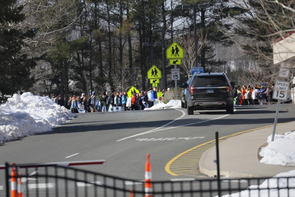 Sandy Hook, Connecticut. Los estudiantes de la secundaria Newtown partic...