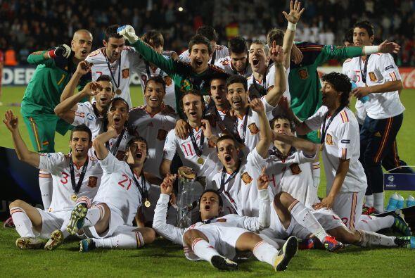 Otro equipo que festejó fue el seleccionado español que ga...