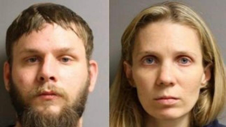 Ficha policial de los padres arrestados. Foto: Harris County Precinct.