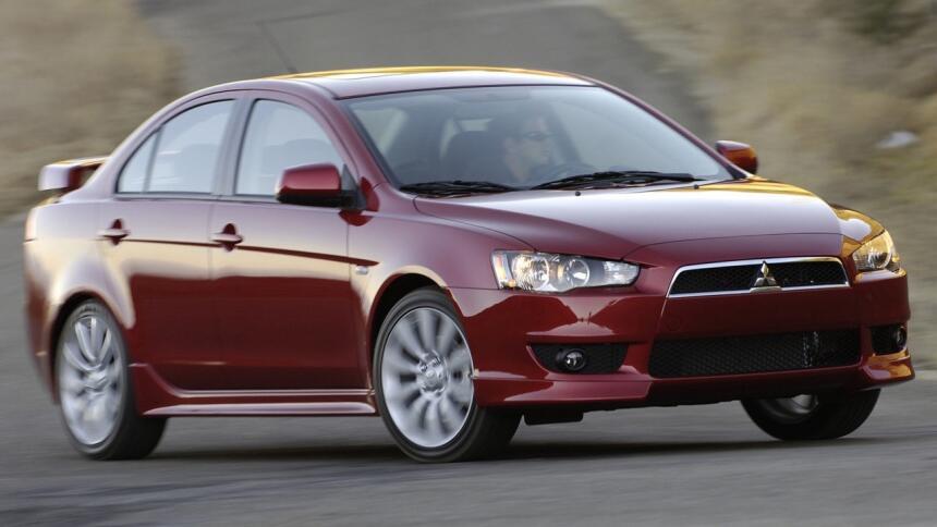 Estos son los autos con el mayor índice de mortalidad en EEUU Mitsubishi...