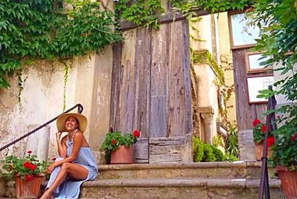 Karla feliz en este viaje que revivió su luna de miel.