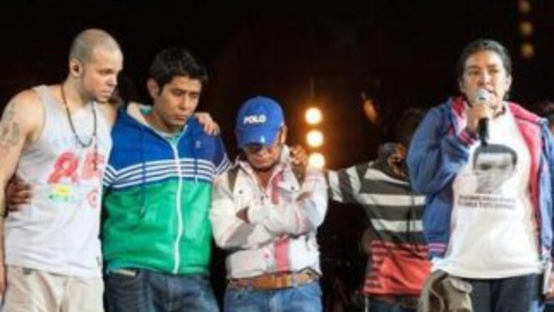 El grupo Calle 13 invitó a hablar en su concierto a familiares de los de...