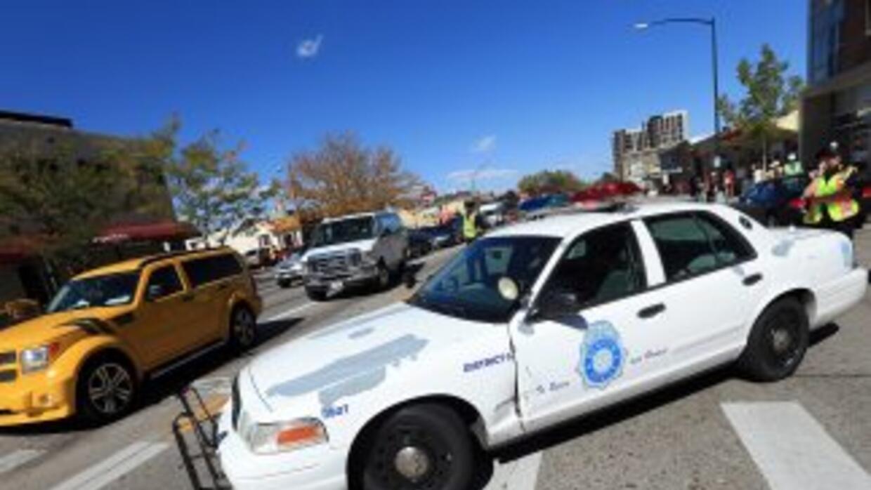Una mujer y dos niños de diez años fueron encontrados muertos en una cas...