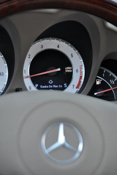 Mercedes-Benz combinó lo más moderno de su ingeniería y el estilo clásic...