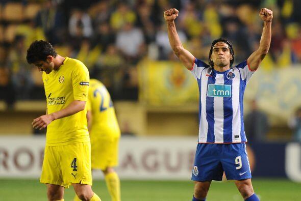 El colombiano festejó con los portugueses presentes en el estadio El Mad...