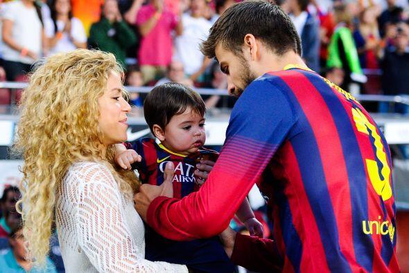 Shakira y Milan no dejan solo a Piqué en los momentos importantes y un m...
