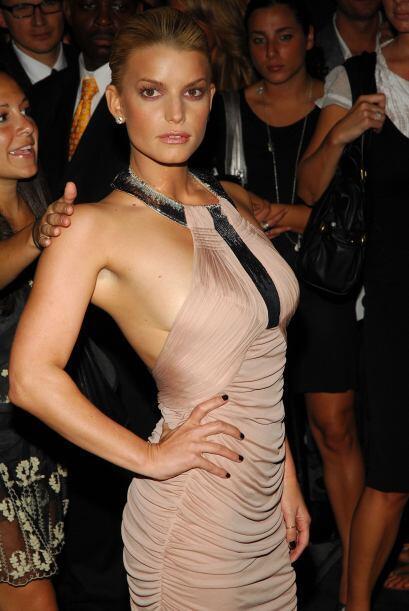 Luciendo su figura espigada en un evento de moda, en septiembre de 2007.