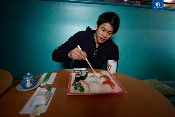 Atsuto Uchida, come la tradicinal comida japonesa.