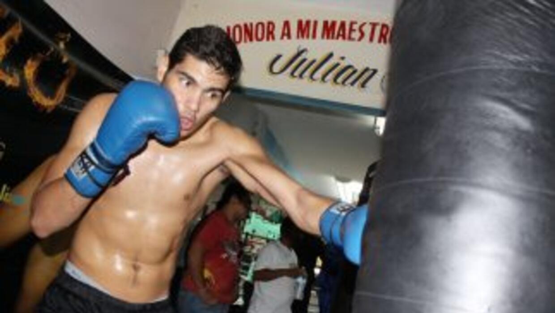'Zurdo' Ramírez por tercera defensa del título juvenil medio (Foto: Cane...