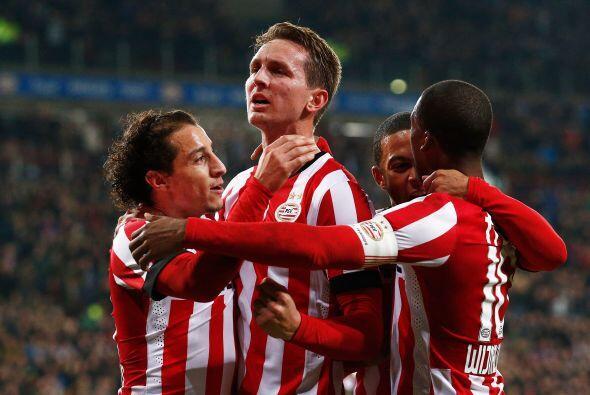 Guardado tuvo un inicio pesado con el PSV pues tuvo que conformarse con...