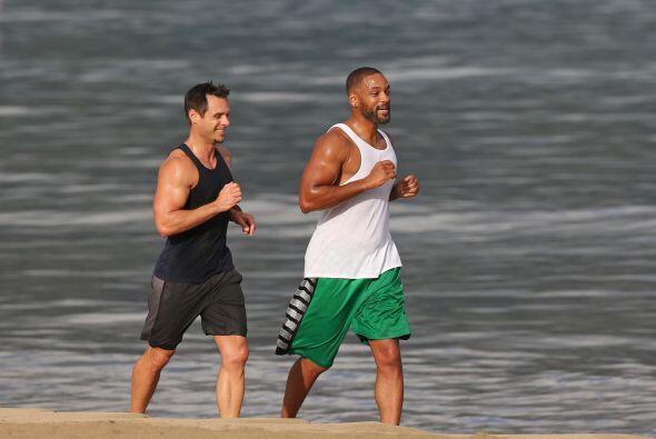 El actor se dio tiempo para hacer ejercicio.  Mira los chismes del momento.