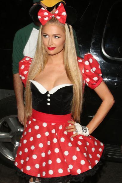 Paris Hilton no podía faltar en un disfraz muy atrevido.