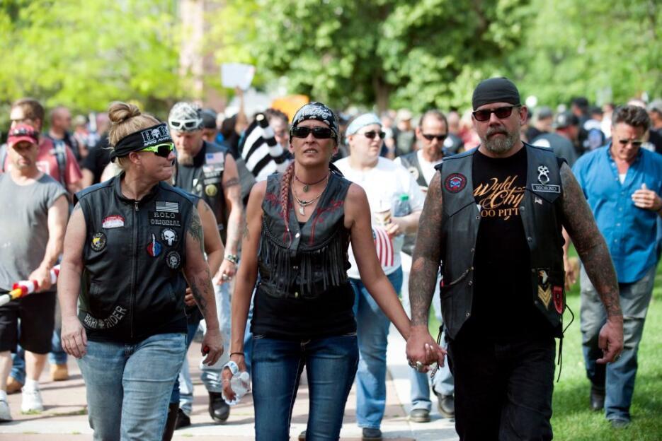 Miembros del grupo Motorizados contra el Islamismo Radical llegan a Denv...