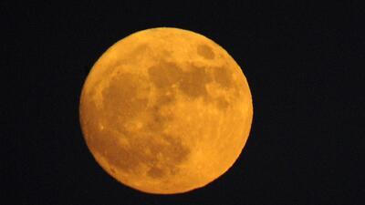 Cuando veas la superluna recuerda al 'héroe' que dejamos abandonado ahí