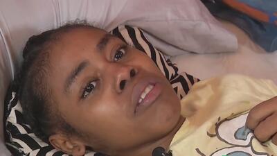 Una desconocida dolencia la dejó ciega y postrada en una cama después de dar a luz