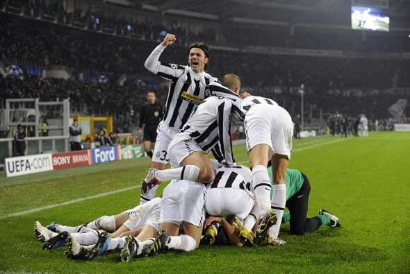 La 'Juve' comenzó soñando con su pase a octavos gracias a un gol de Trez...