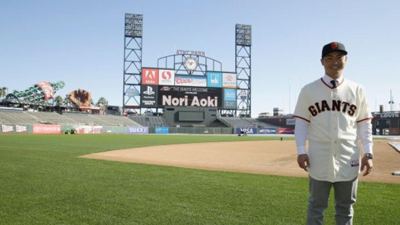 El nipón Aoki, quien era agente libre, concretó un acuerdo por un año co...
