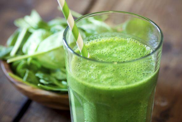Empieza la mañana con energía, con un smoothie de rúcula, lima, jengibre...