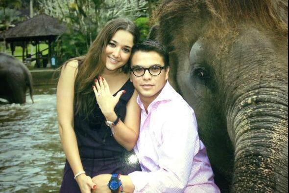 Pues Gerardo le entregó a Sherlyn el anillo de compromiso a su ahora pro...