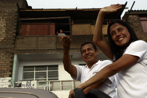 De acuerdo con la encuesta de la PUCP, en una segunda vuelta Humala gana...
