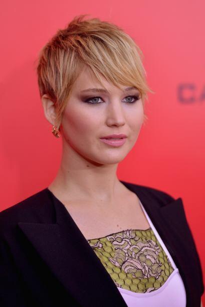 Jennifer Lawrence se atrevió a cambiar y cortar su larga cabellera y cam...