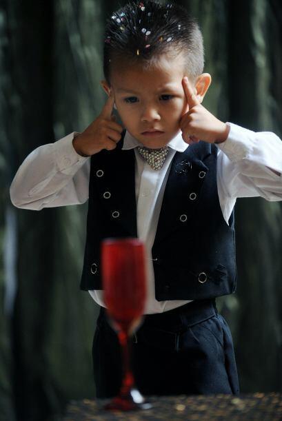 James Giraldo tiene cuatro años y un talento especial para los trucos de...