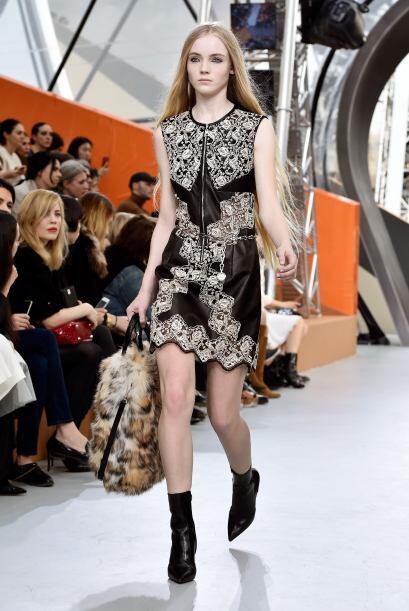 Los tintes retros regresaron con la colección de Louis Vuitton.