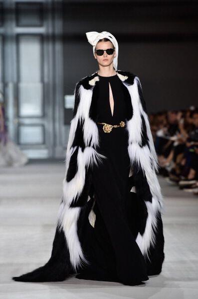 """""""Cruella de Vil"""" fue la inspiración de la marca Giambattista Valli para..."""