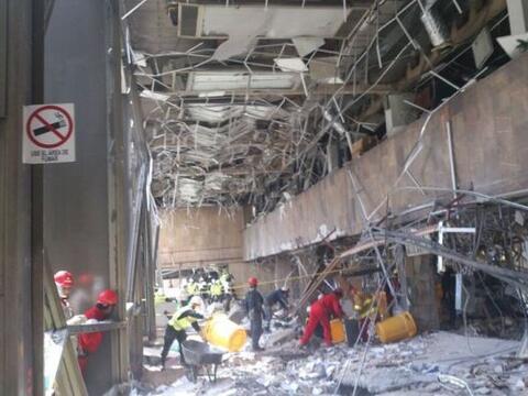 Así quedó el interior de la torre B2 del complejo administ...