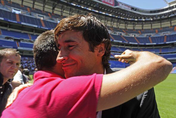 Algunos de ellos le abrazaron y agradecieron por su incomparable entrega...