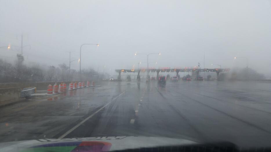 Así lucen los caminos en Indiana, condado de Lake donde hay aviso de tor...
