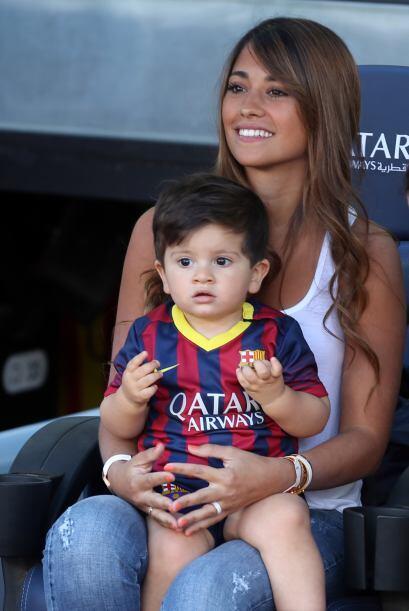 Pese a su corta edad Thiago estuvo atento a las acciones del juego.Mira...