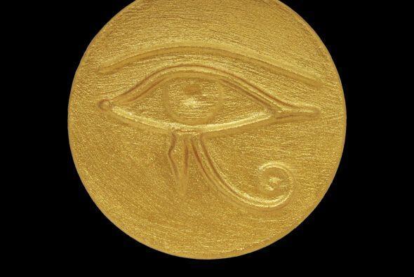 """El """"ojo de Horus"""" se refiere al dios Horus, uno de los más importantes d..."""