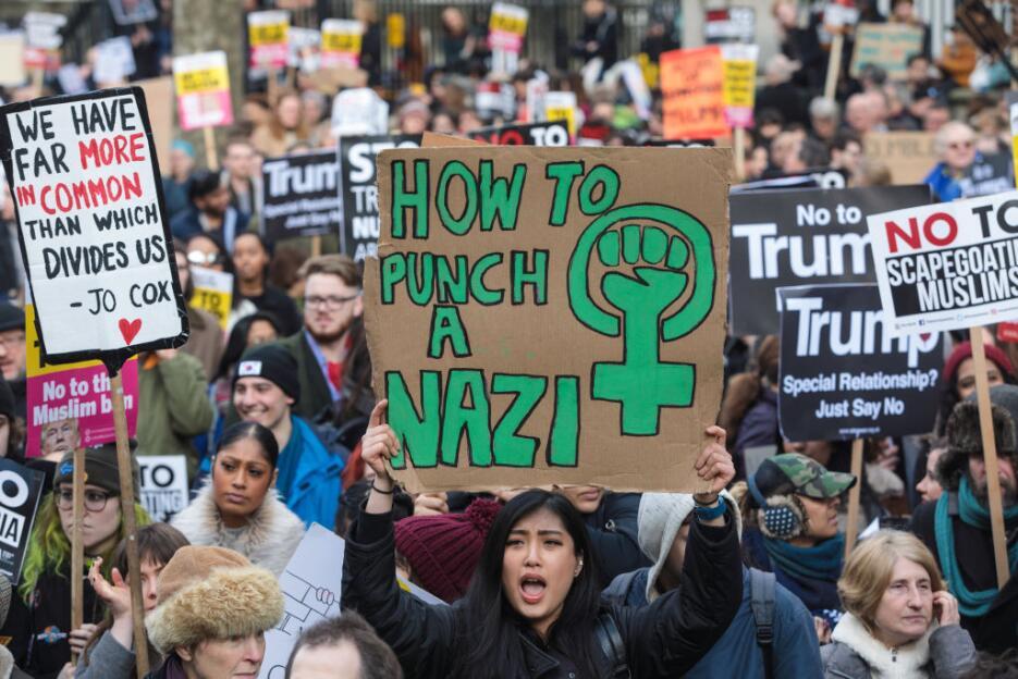 En fotos: sábado de protestas en Reino Unido contra la política migrator...