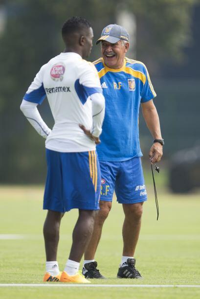 Contrario a Meza o Lapuente se encuentran entrenadores como Ricardo Ferr...