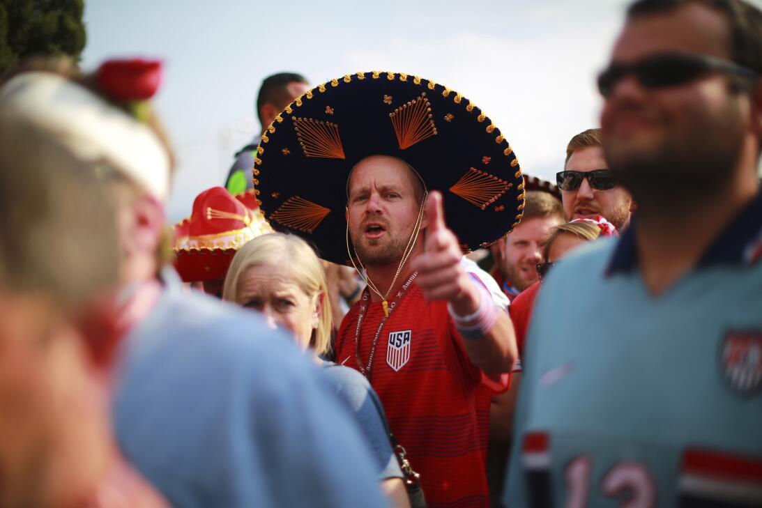 Rivalidad bien entendida: México y USA, confraternizados en el Azteca Ge...