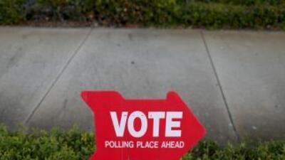 Cerca de 25 millones de hispanos pueden ejercer hoy su derecho al voto e...