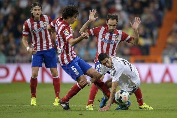 El Atletico de Madrid presionó por toda la cancha y no dejó jugara al Re...