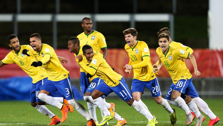 Brasil celebra luego del último penalti.