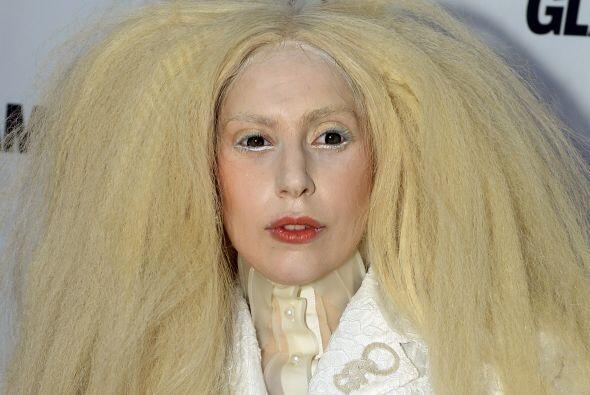 Lady Gaga fue elegida este año por la revista Glamour como la muj...