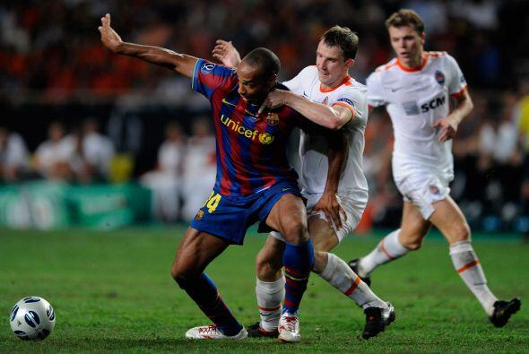 Barcelona sumó otra supercopa a sus vitrinas en el 2009 al vencer por la...