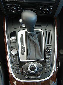 La transmisión automática de seis velocidades cuenta con el sistema Tipt...