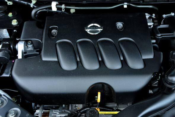 Funciona con un motor cuatro cilindros 1.8 litros y 122 caballos de fuer...
