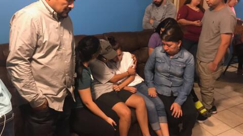 Stephany Carreon junto a su familia y sus hijos después de saber...